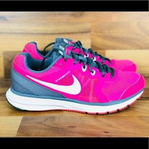 Nike winflow running shoes